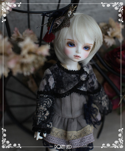 Tuesday's Child Limited Sage - au clair de la lune