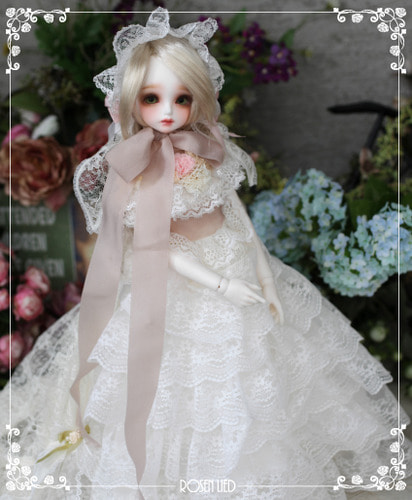 Wednesday's Child Limited Flora - Mademoiselle Blanche
